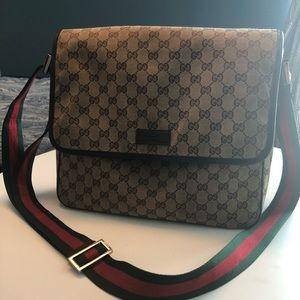 Rare Large Vintage Gucci Messenger Bag!